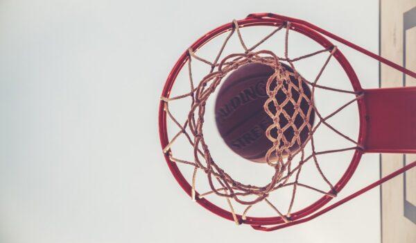 Coronavirus Italia, la Virtus Matera insegna a giocare a basket da casa
