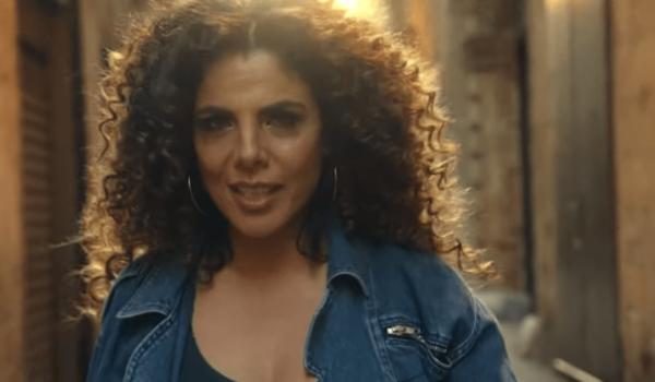 """E' uscito, accompagnato dal video ufficiale, il nuovo singolo diMietta,""""Spritz Campari""""."""