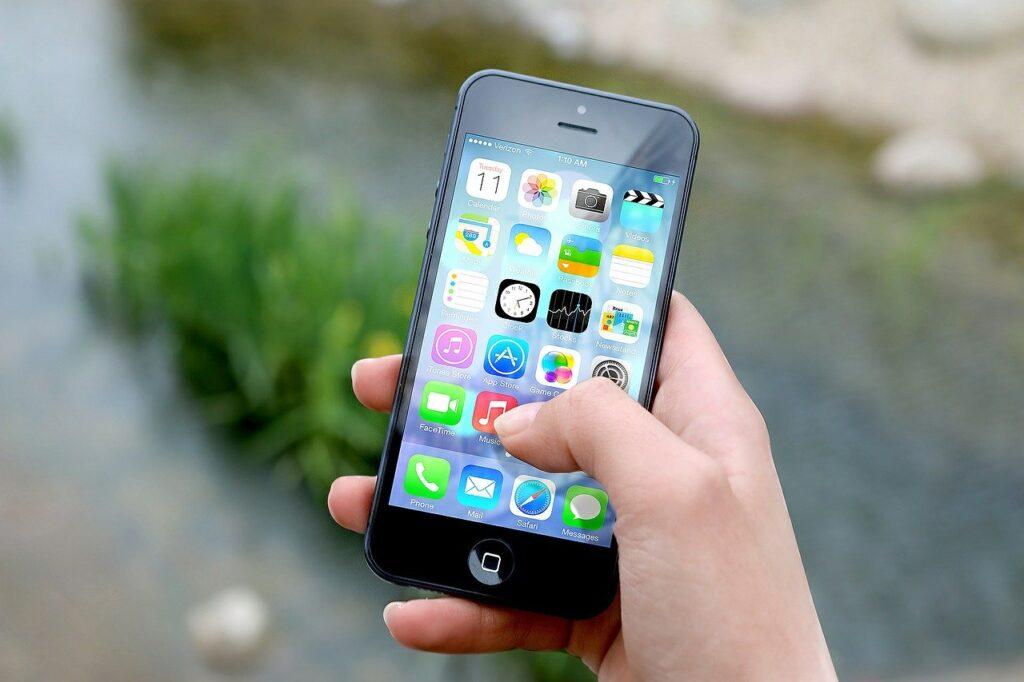 smartphone tra gli strumenti per superare digital divide